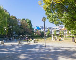 東板橋公園 約950m(徒歩12分)