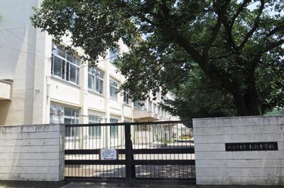市立打越中学校 約370m(徒歩5分)