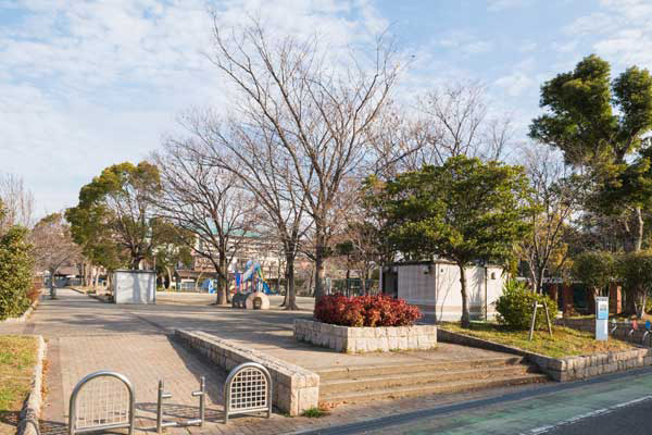 榎坂大池公園 約600m(徒歩8分)