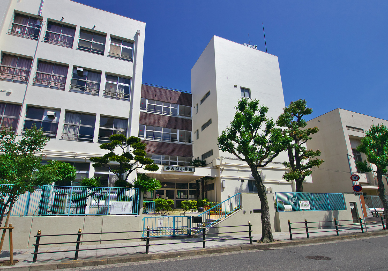 市立南大江小学校 約160m(徒歩2分)