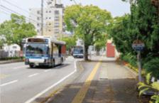 檍小バス停(北側) 約30m(徒歩1分)