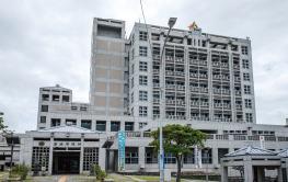 浦添市役所 約4,200m(車7分)