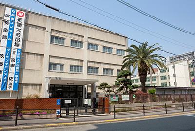 市立堀江中学校 約700m(徒歩9分)