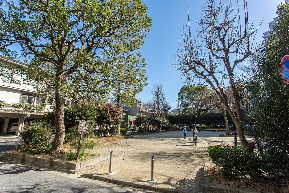 大津駅前児童公園 約470m(徒歩6分)