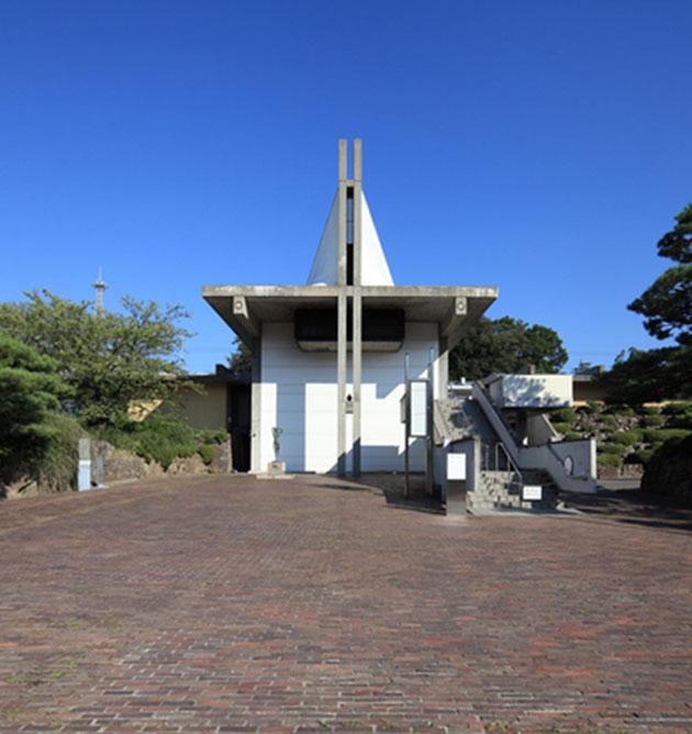 長野県信濃美術館 約1,900m(徒歩24分)