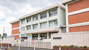 奈良市立登美ヶ丘北中学校 約320m(徒歩4分)