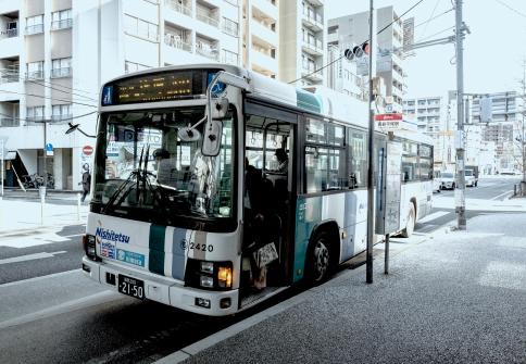 西鉄「平尾駅」バス停(山荘通) 約170m(徒歩3分)