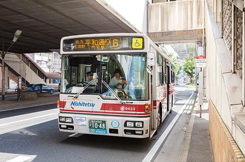 西鉄バス「徳力嵐山口駅」バス停(西側)小倉方面 徒歩3分