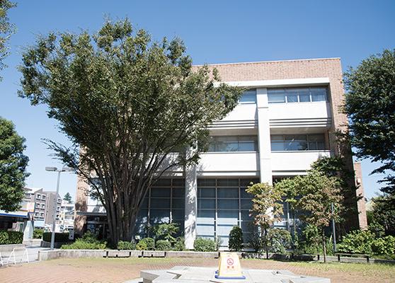 武蔵野市立中央図書館 約390m(徒歩5分)