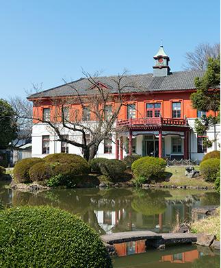 小石川植物園 約880m(徒歩11分)
