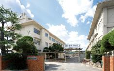 市立松永中学校 約910m(徒歩12分)