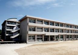 大分市立豊府小学校 約750m(徒歩10分)