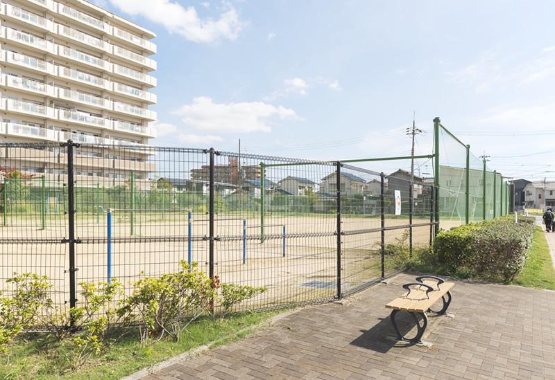 ゆりのき通東公園 約120m(徒歩2分)