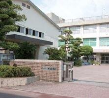 熊本市立力合小学校 約450m(徒歩6分)