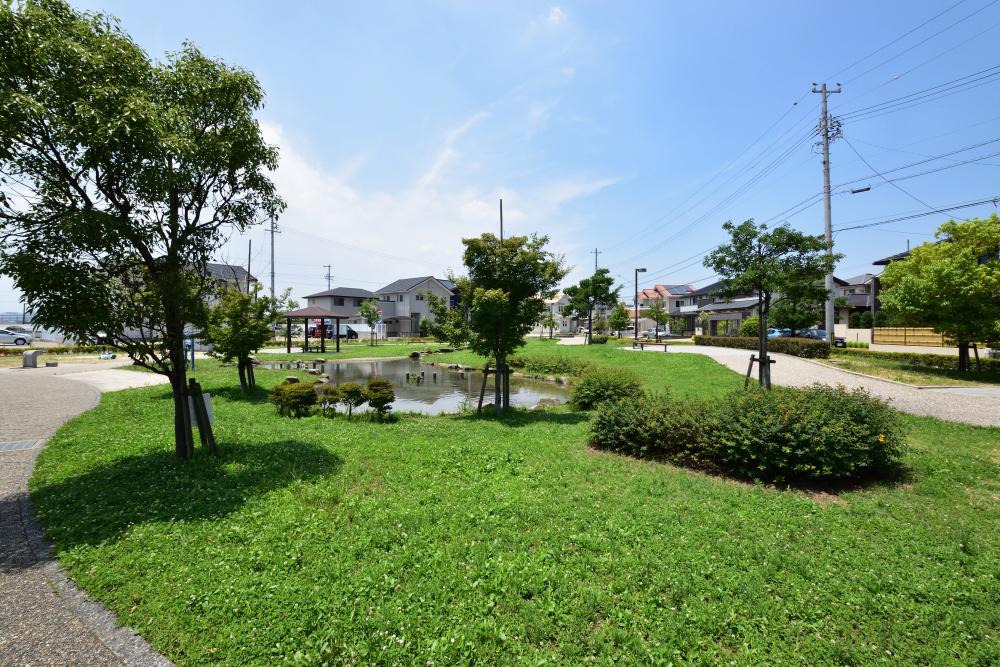 姫西せせらぎ公園 約450m(徒歩6分)