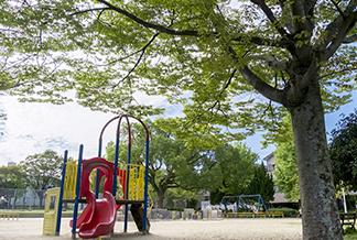 福海公園 約190m(徒歩3分)