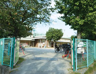持田幼稚園 約450m(徒歩6分)