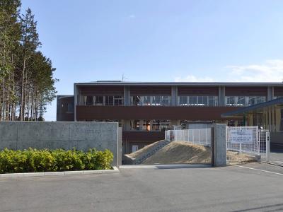 村立中丸小学校 約635m(徒歩8分)