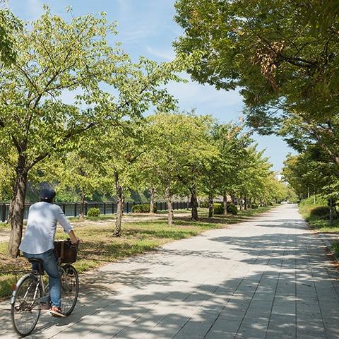大阪城公園 約1,580m(徒歩20分)