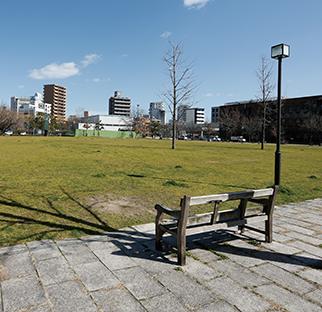 東千田公園 約650m(徒歩9分)