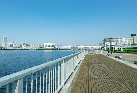 船橋港親水公園 約1.2km(徒歩15分)
