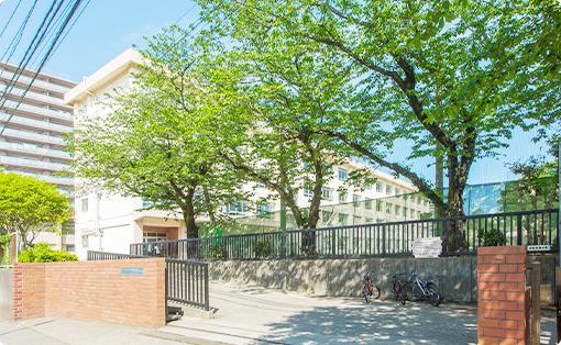 新林小学校 約160m(徒歩2分)