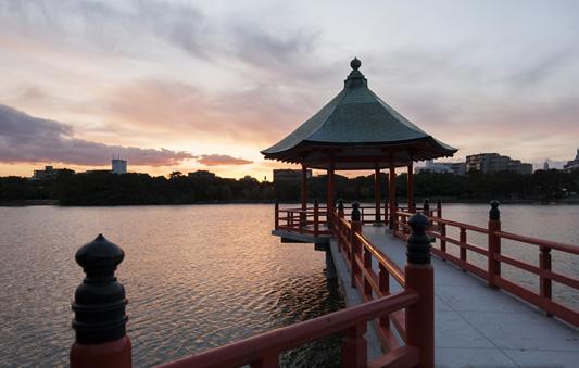 《公式》ロイヤルガーデン 大阪梅田|大阪駅より徒 …