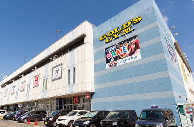 コマーシャルモール博多店 約1,210m(徒歩16分)