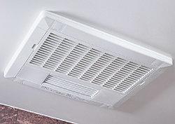 冬場でも快適に入浴できる、浴室換気乾燥暖房機を設置。雨の日のお洗濯にも役立ちます。