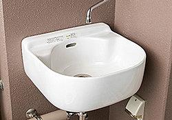 鉢植えへの水やりやアウトドア用品の水洗いなどに便利です。