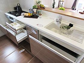 食洗機付システムキッチン(2号棟)