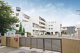 横浜市立下田小学校まで約810m(徒歩11分)