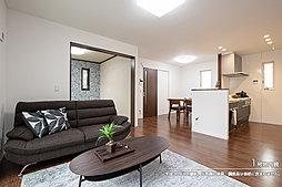 [1号地 内観]平成30年9月撮影 ※写真の家具・調度品は価格に含まれません。