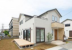 【逆井駅徒歩7分・敷地面積60坪以上】広いお庭とウッドデッキの...