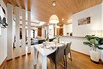 外断熱の家「Kurumu」だから可能な広々居室と充実の収納が魅力(98号地LDK)