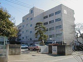 飯山満南小学校まで徒歩8分(約590M)