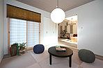 趣のある和室は襖を開放するとリビングと繋がり、大空間が実現。(現地15号地モデルハウス、2018年1月撮影)