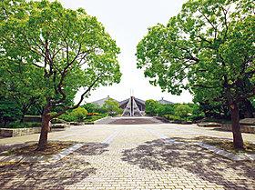 岸和田市中央公園:徒歩1分(70m)