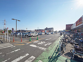 入曽マーケットシティ(約2100M)