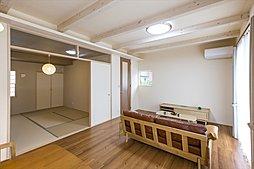リビング続きの和室:施工例写真