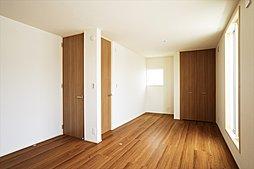 全居室に収納をもうけましたので、居室をきれいに保ちます。(施工例写真)