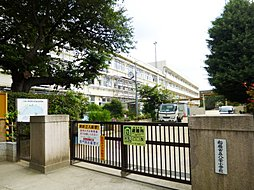 八栄小学校へ徒...