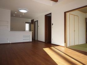 和室を含めLDKがひとつの空間につながるプラン