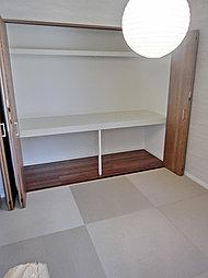 ※当社施工例  お子様の遊び場やお昼寝をするのにも便利なモダン和室