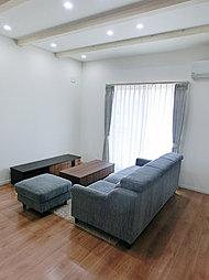 ※当社施工例  続き和室でより開放的なリビング。