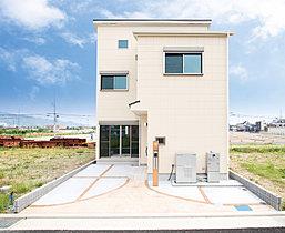W発電標準装備、駐車2台可能