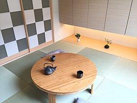 【和室】市松模様の障子、琉球畳と吊押入れでシンプルモダンに。