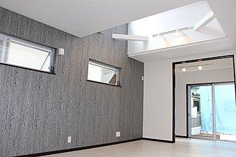 ■開放的な吹抜け+窓の多いデザイン=やわらかな陽光が隅々まで届きます