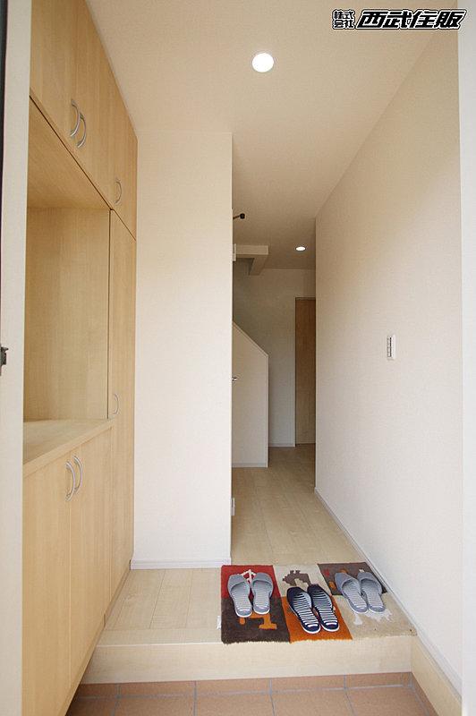 【【玄関】】シューズボックス付きなので玄関周りがスッキリします。