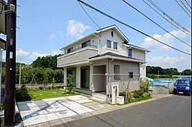 【モデルハウス】広々とした庭 オープン外構を採用